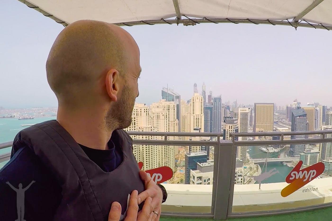 42 våningar upp i Dubai Marina