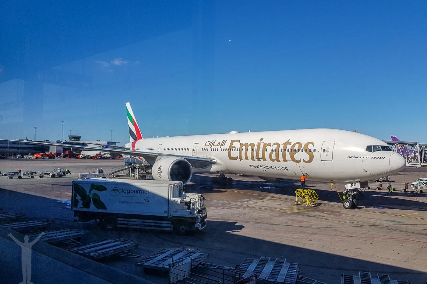 Emirates till Dubai i en Boeing 777-300ER - A6-ENO