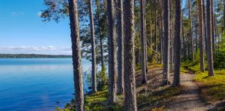 Bynäset, vid Frösön, med Storsjön bredvid sig
