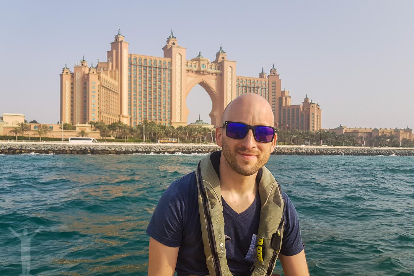Vi åkte ribbåt från Dubai Marina och ut till Atlantis. En riktigt fräck upplevelse.