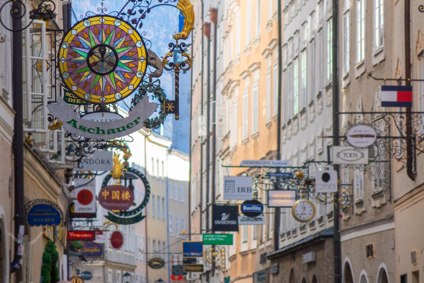 Getreidegasse hinner man med på en heldag i Salzburg