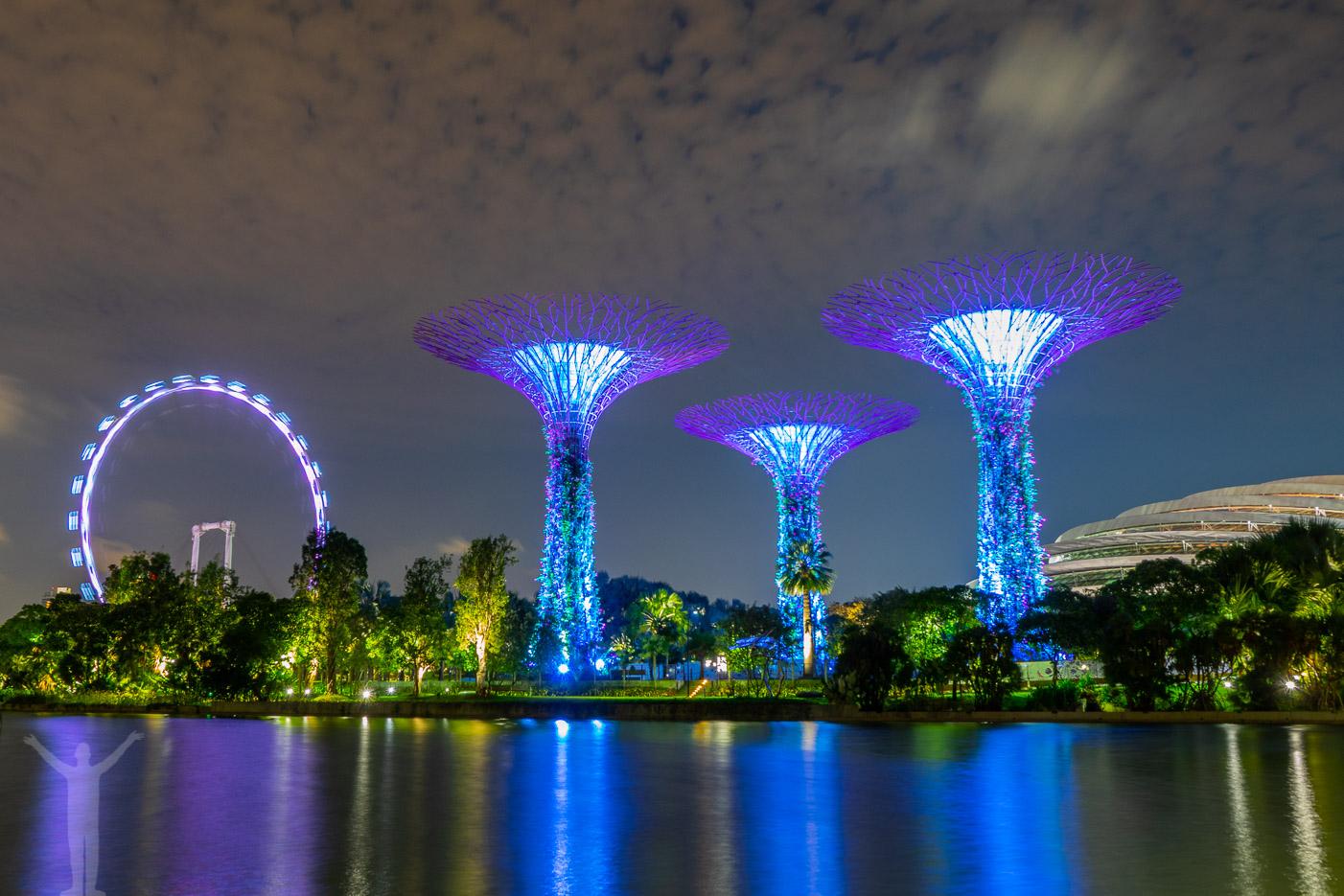 Gardens by the Bay - en del av nattliv i Singapore