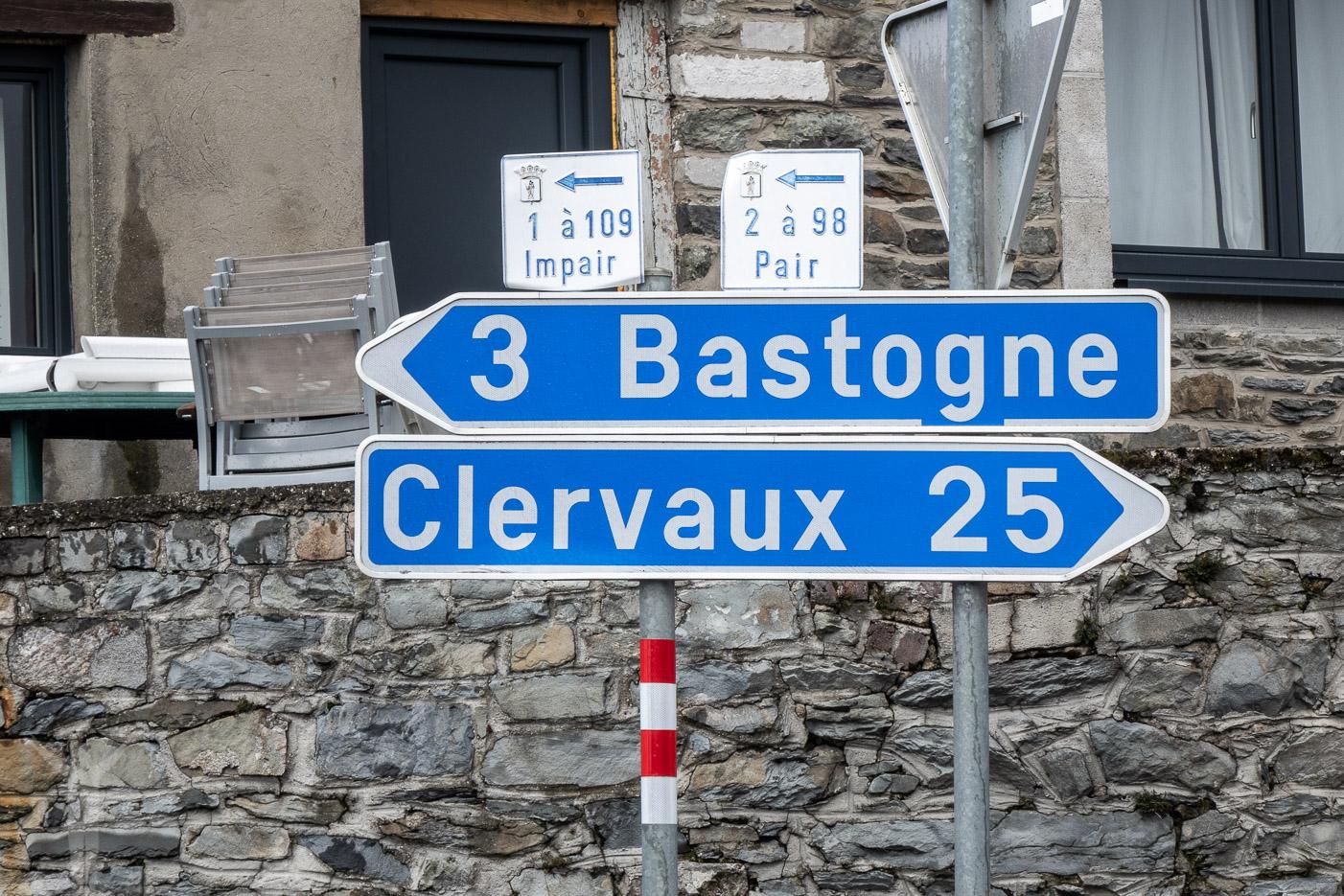Skylt till Bastogne