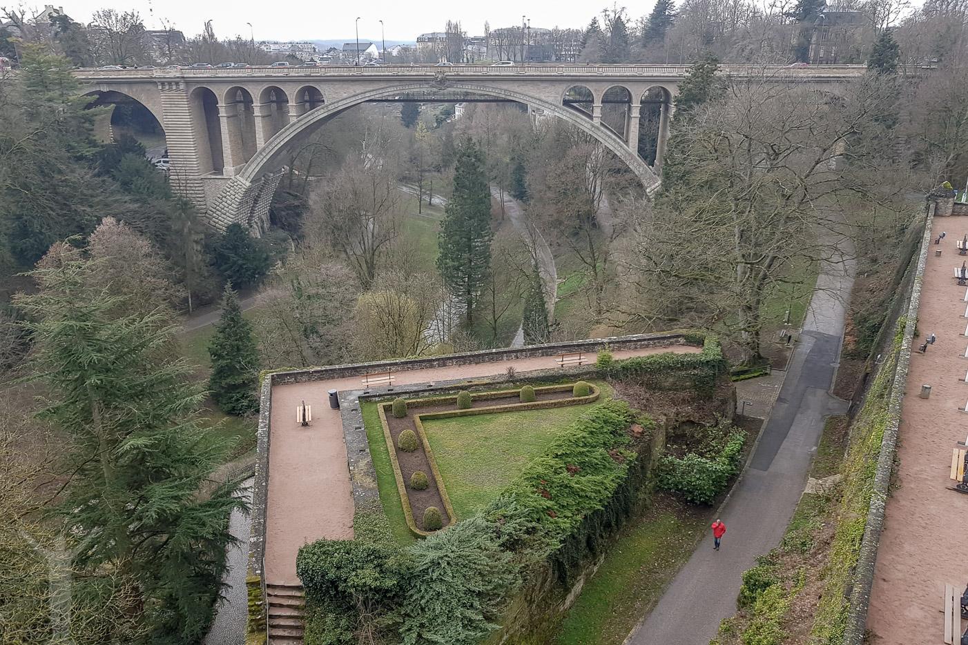 Luxemburg och en park