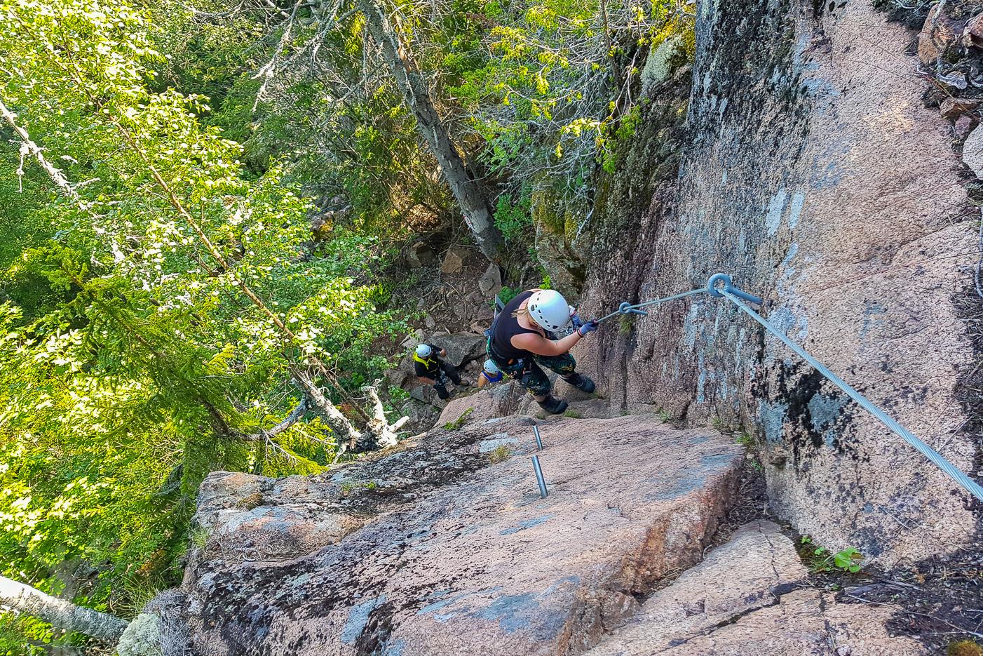 Början av gula leden när du ska klättra på Skuleberget