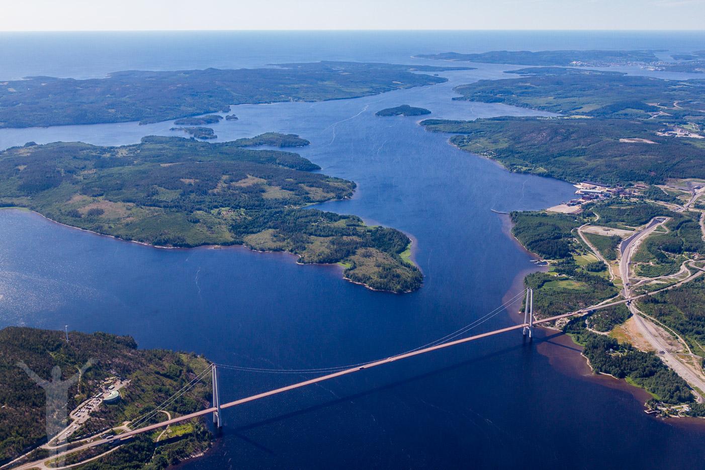 Flygfoto över Höga Kusten-bron
