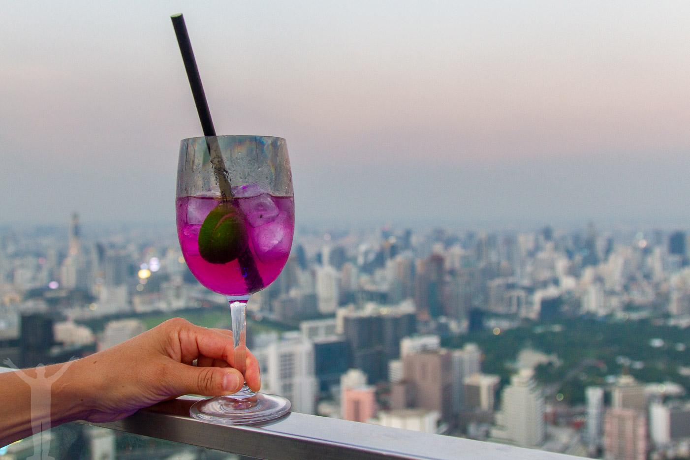 En drink i Bangkoks högsta takbar!