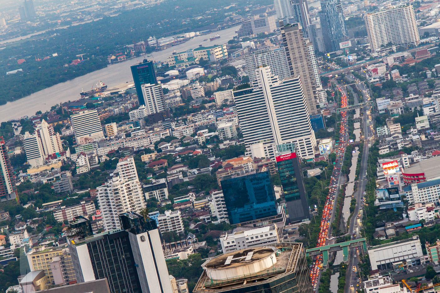 Utsikten från King Power Mahanakhon i Bangkok är magnifik!