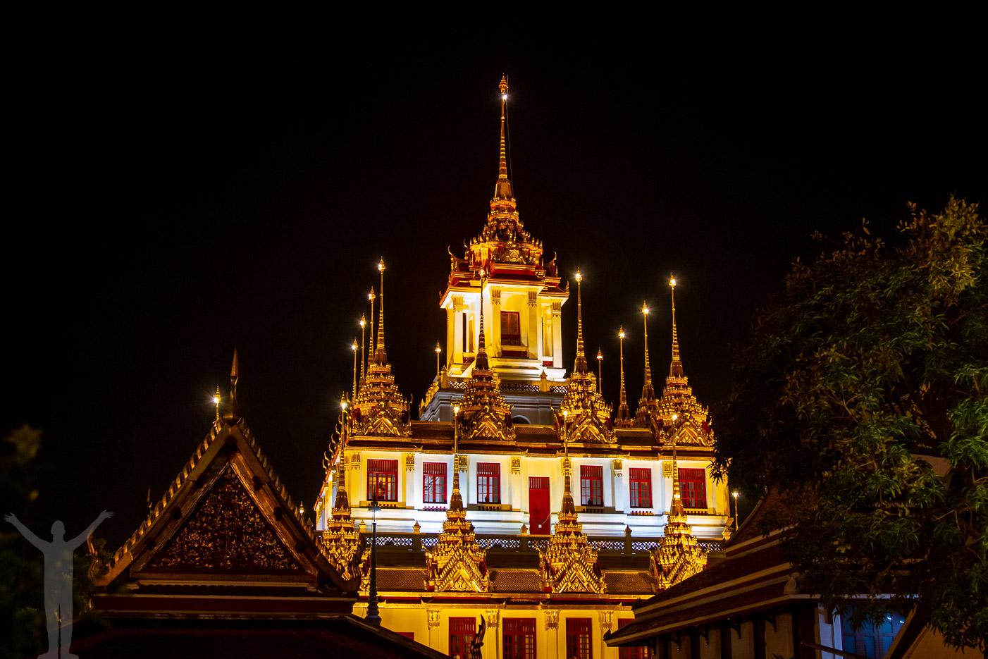 Bangkoks tempel i natten