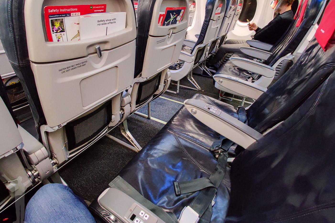 3-3-säte på Norwegian 737-800