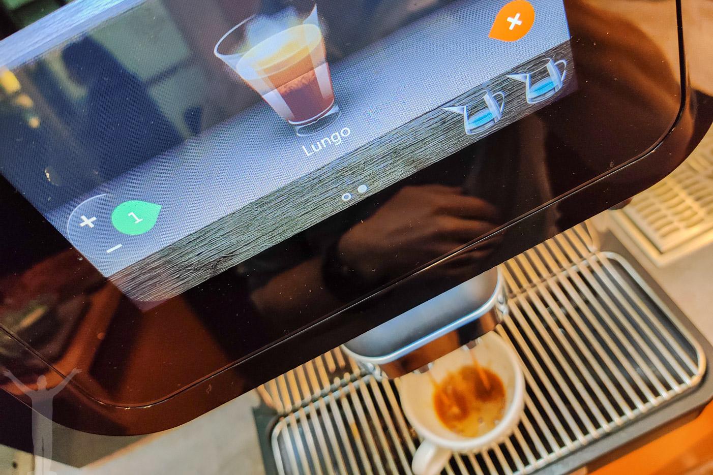 Kaffemaskinen i loungen