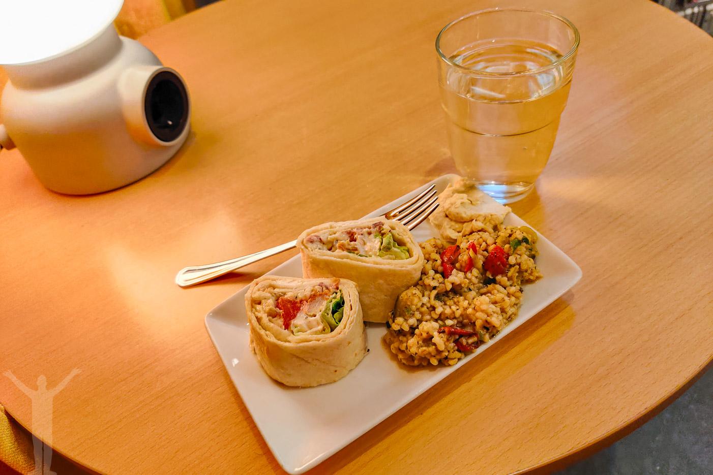 En liten lunch i loungen
