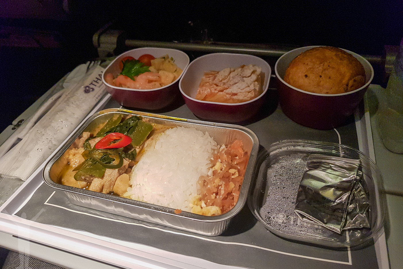 Flyga med Thai Air till Bangkok innebär en helt okej middag