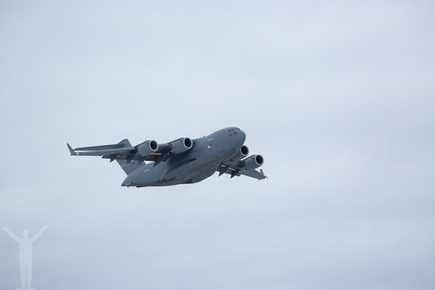 Boeing C-17 go-around