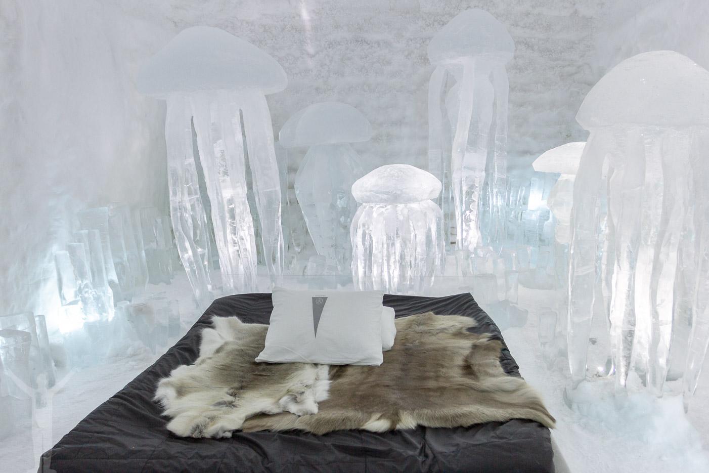 Ett av alla rum på ishotellet i Jukkasjärvi