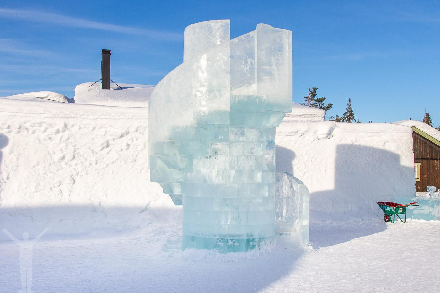 Trappa gjord av is