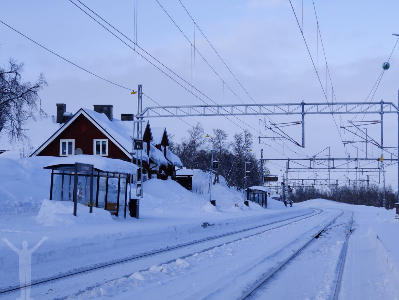Telelinsen på en tågstation
