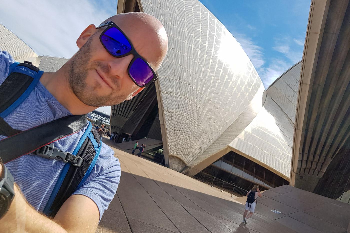 Dryden framför Sydneys operahus