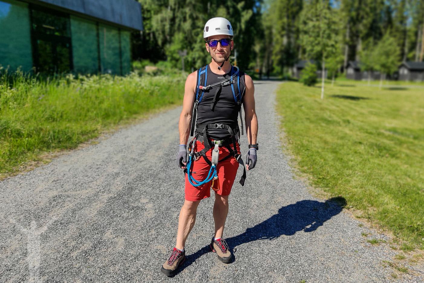 Dryden inför klättring på Skuleberget