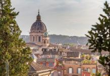Takåsar och kyrkor i Rom