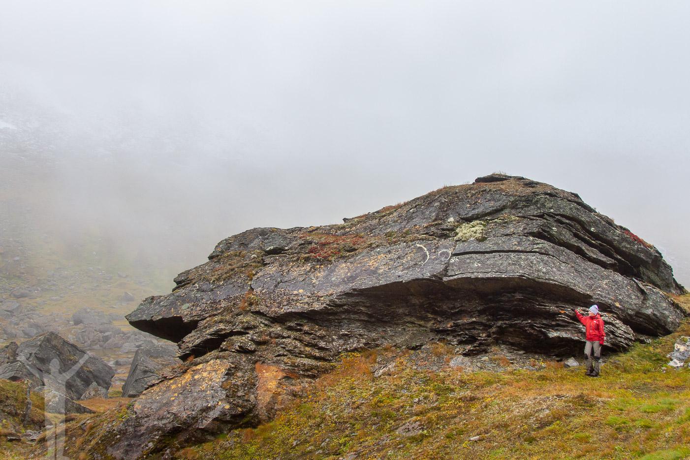 Stora klippblock på vägen till Trollsjön