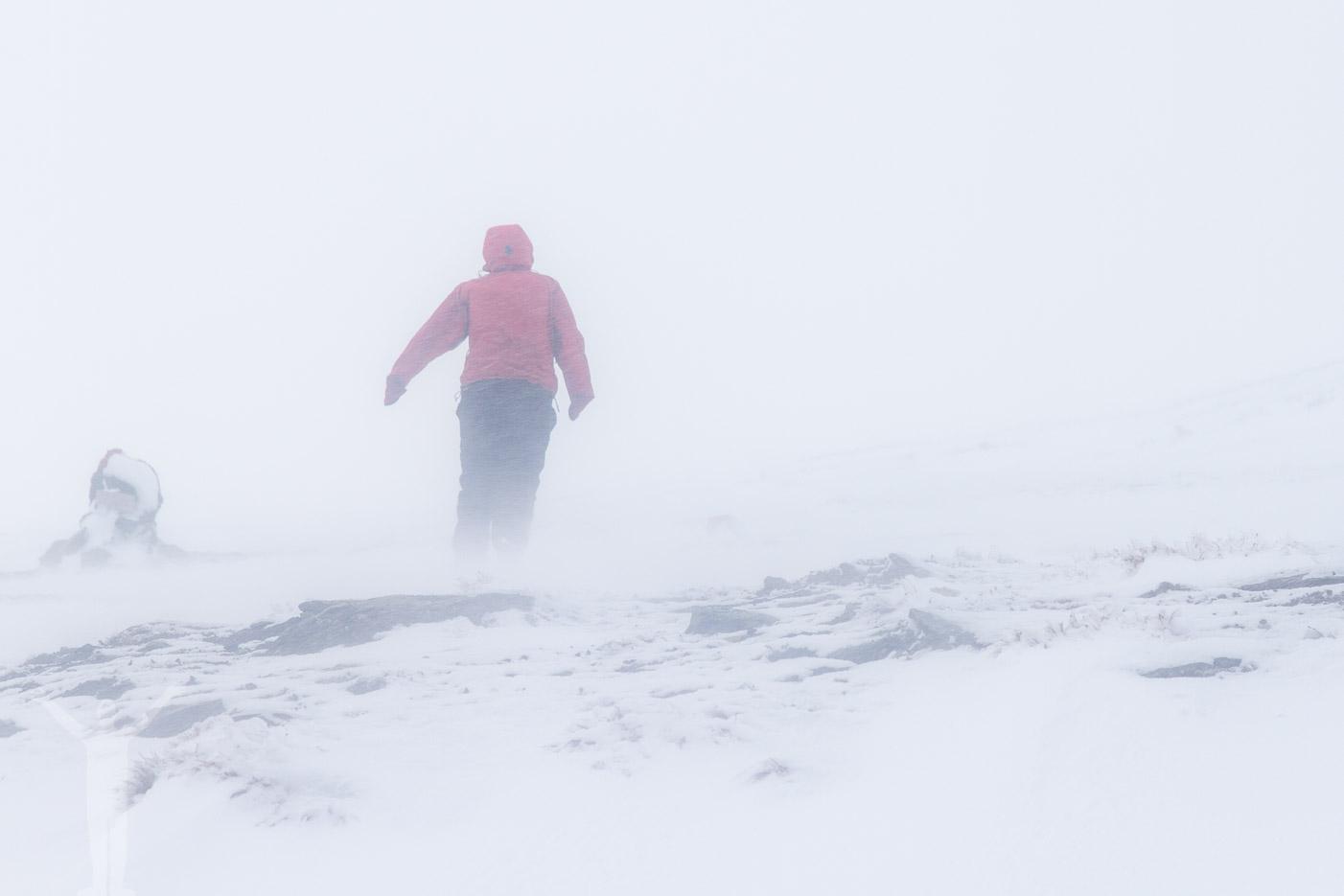 Snöstorm på väg till Låktatjåkko Fjällstation