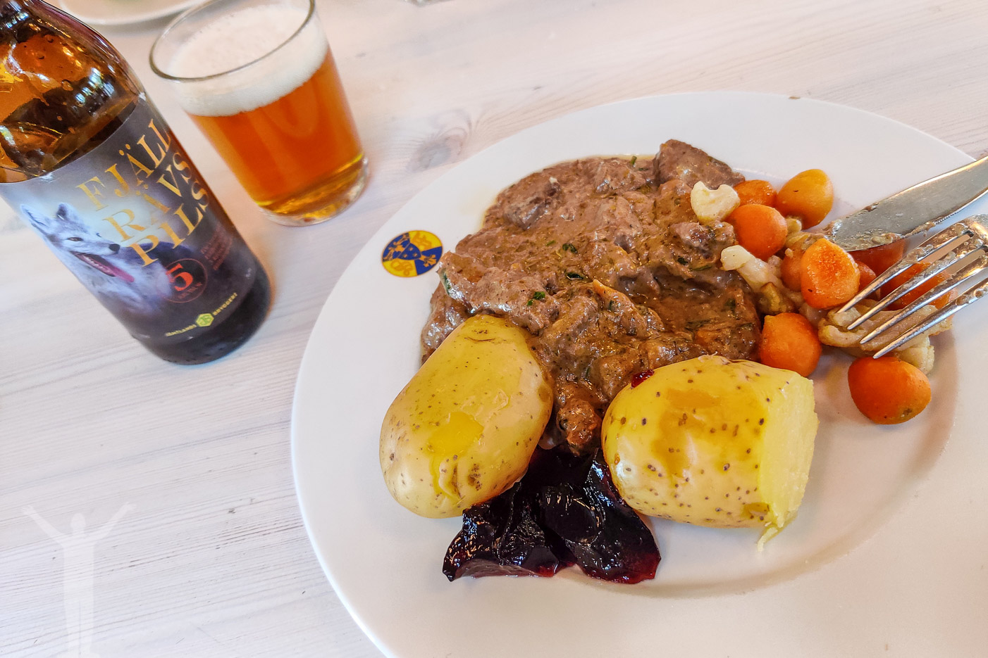 Välförtjänt lunch på Storulvån