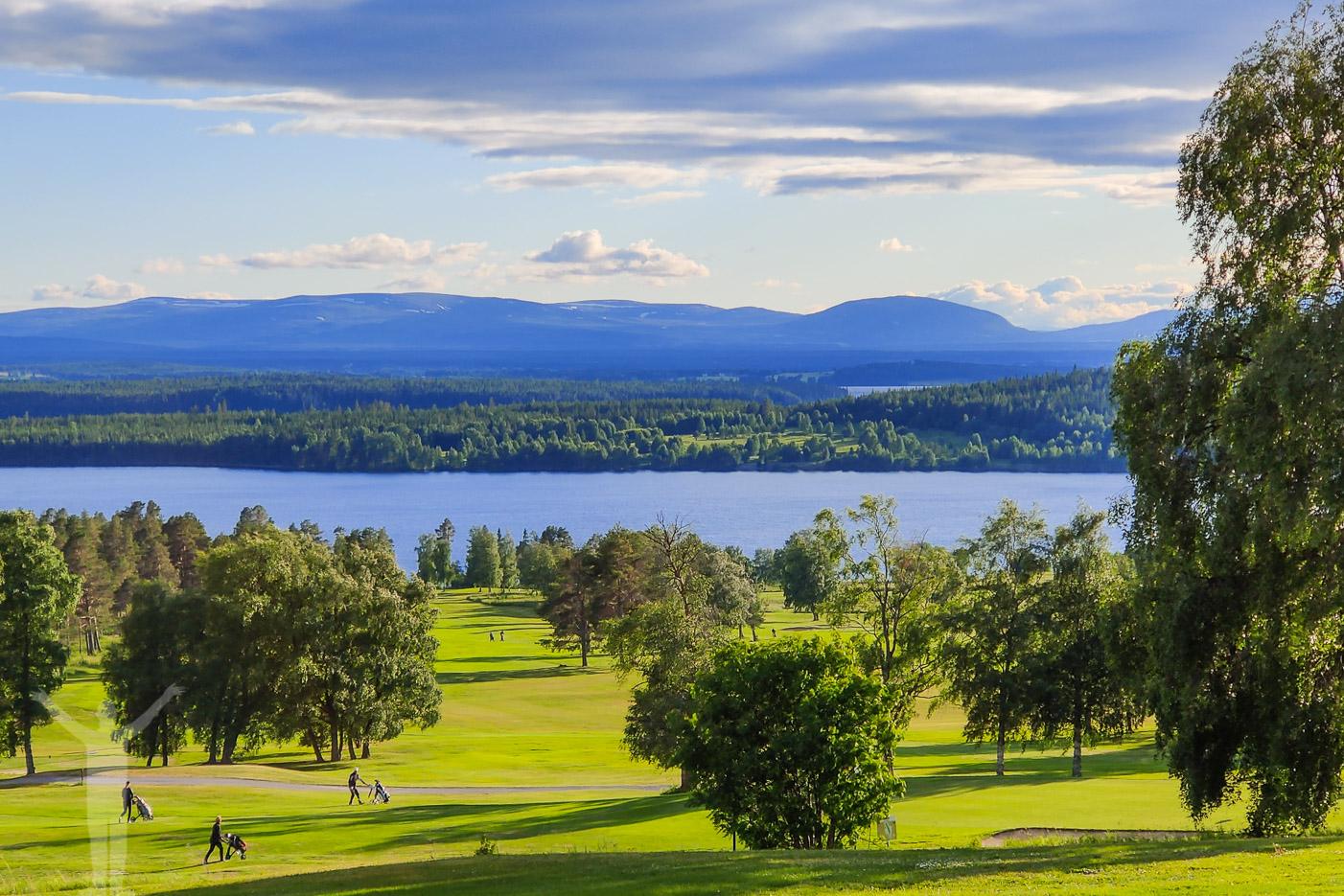 Östersund Frösö Golfklubb är en härlig skogsbana med fjällutsikt.