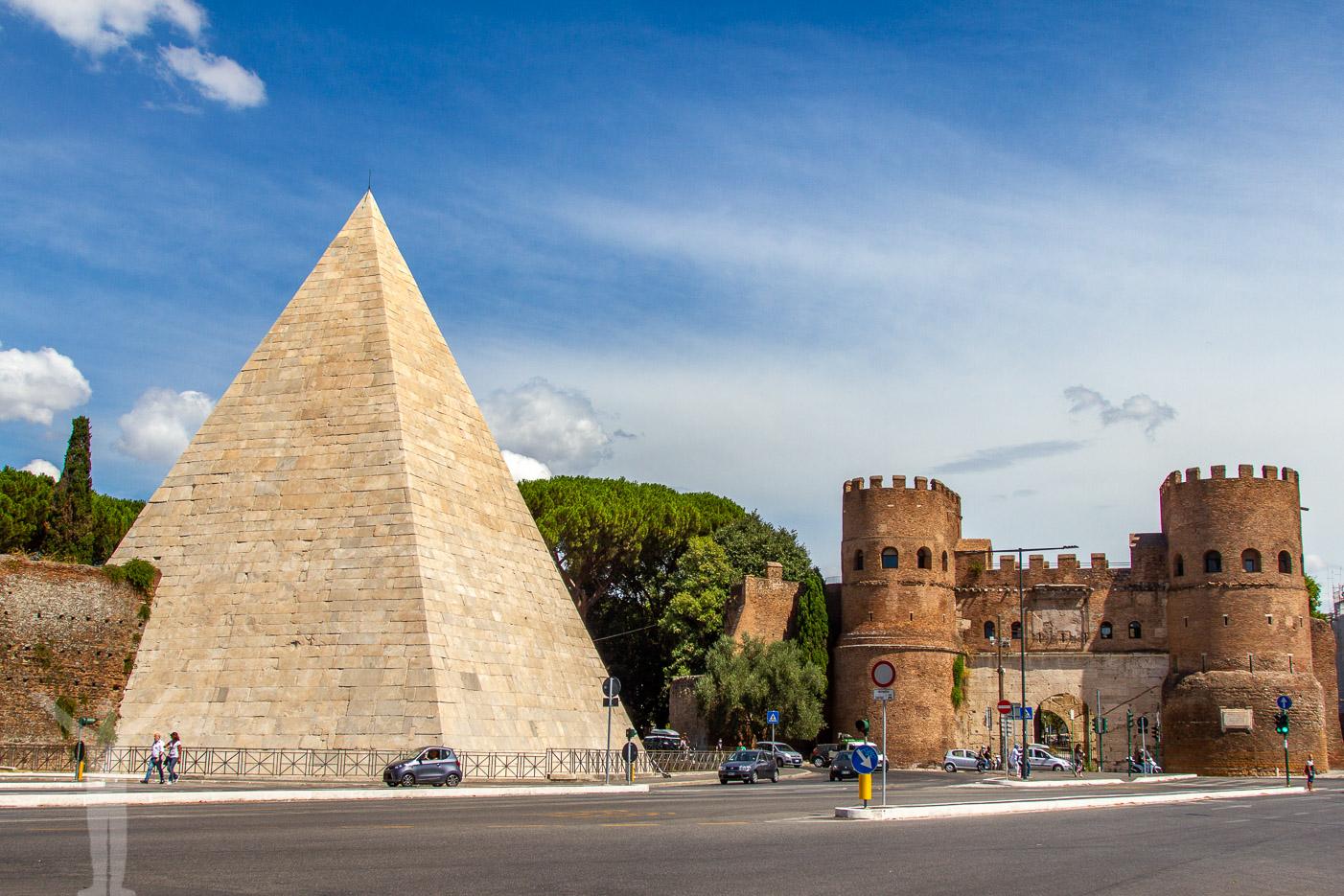 Cestiuspyramiden i Rom