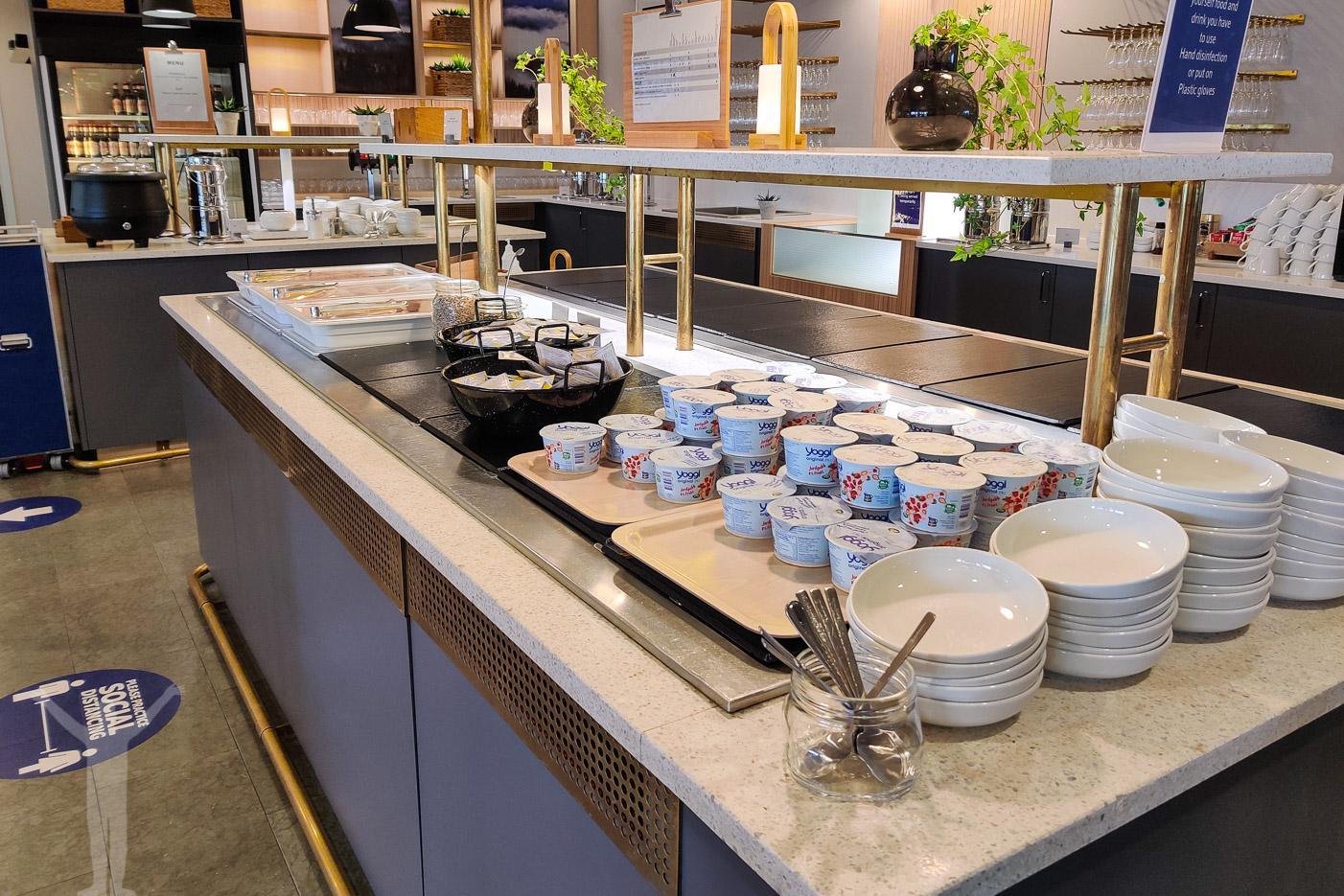 Frukostservering i SAS Gold Lounge på Arlanda
