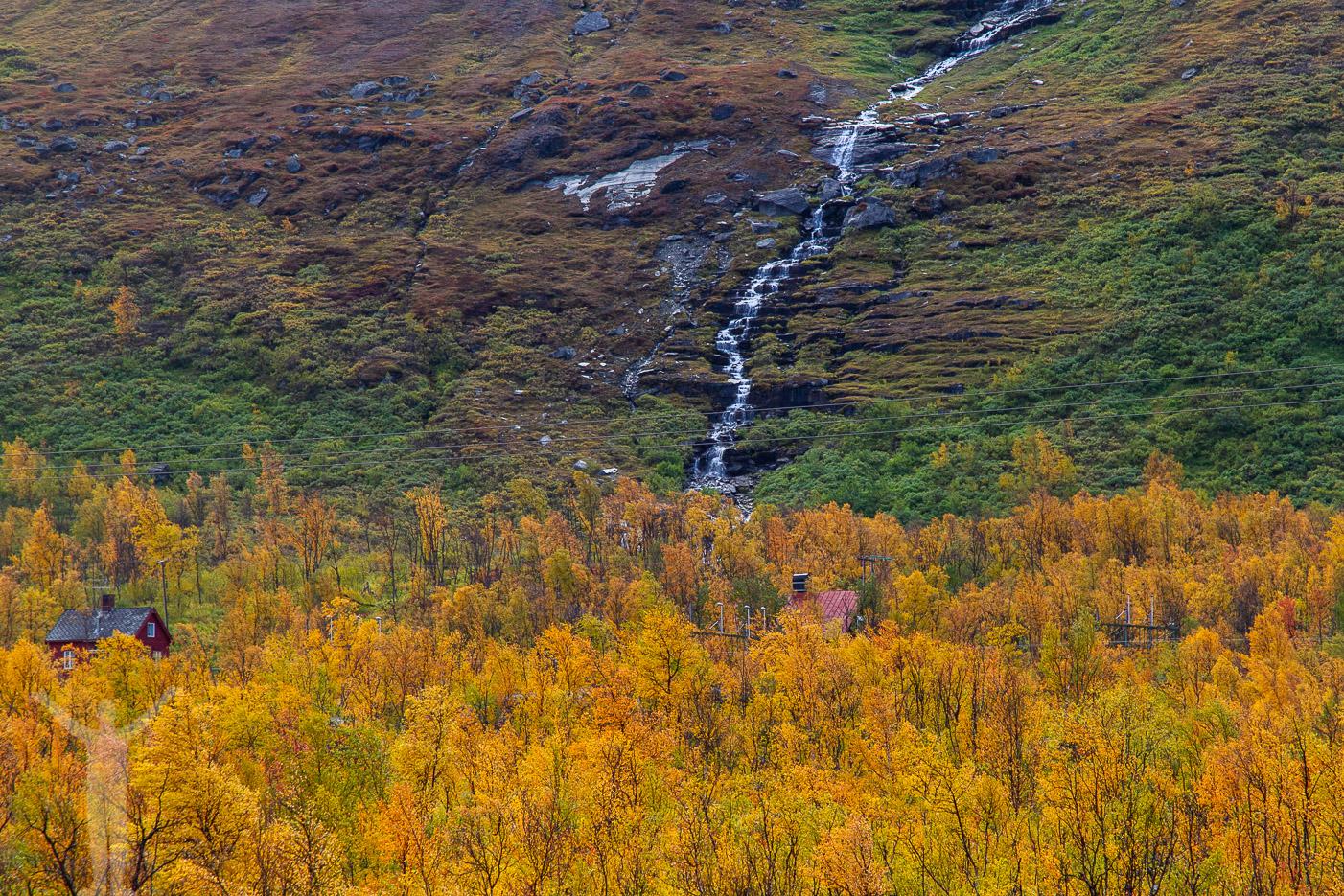 Vattenfall i Lapplands natur