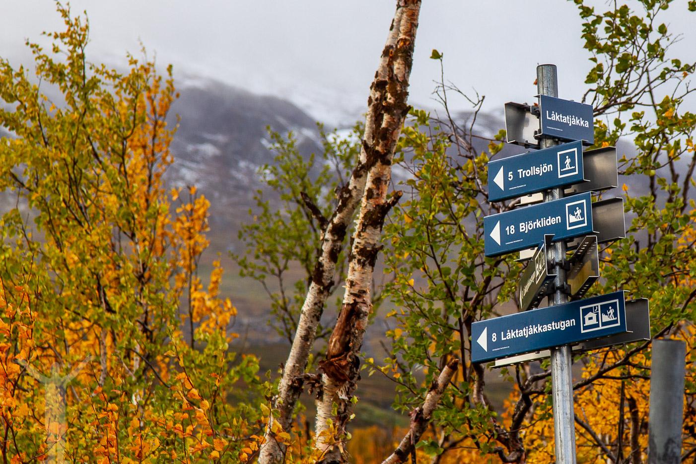 Skyltning mot Trollsjön