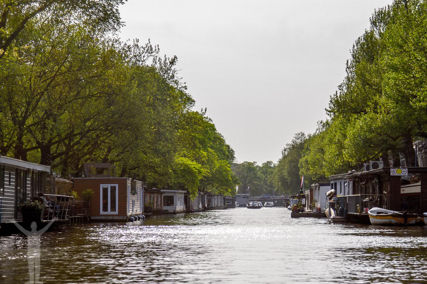 Tips om Amsterdam - bo på en husbåt