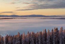 Utsikt över Oviksfjällen och Storsjön från Ladängen, Frösön