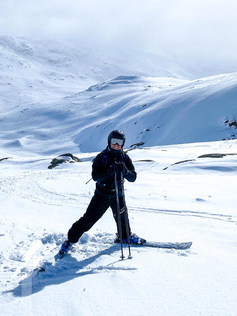 Dryden åker skidor i Riksgränsen