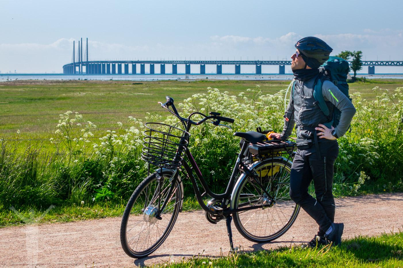 Titta på Öresundsbron utanför Malmö