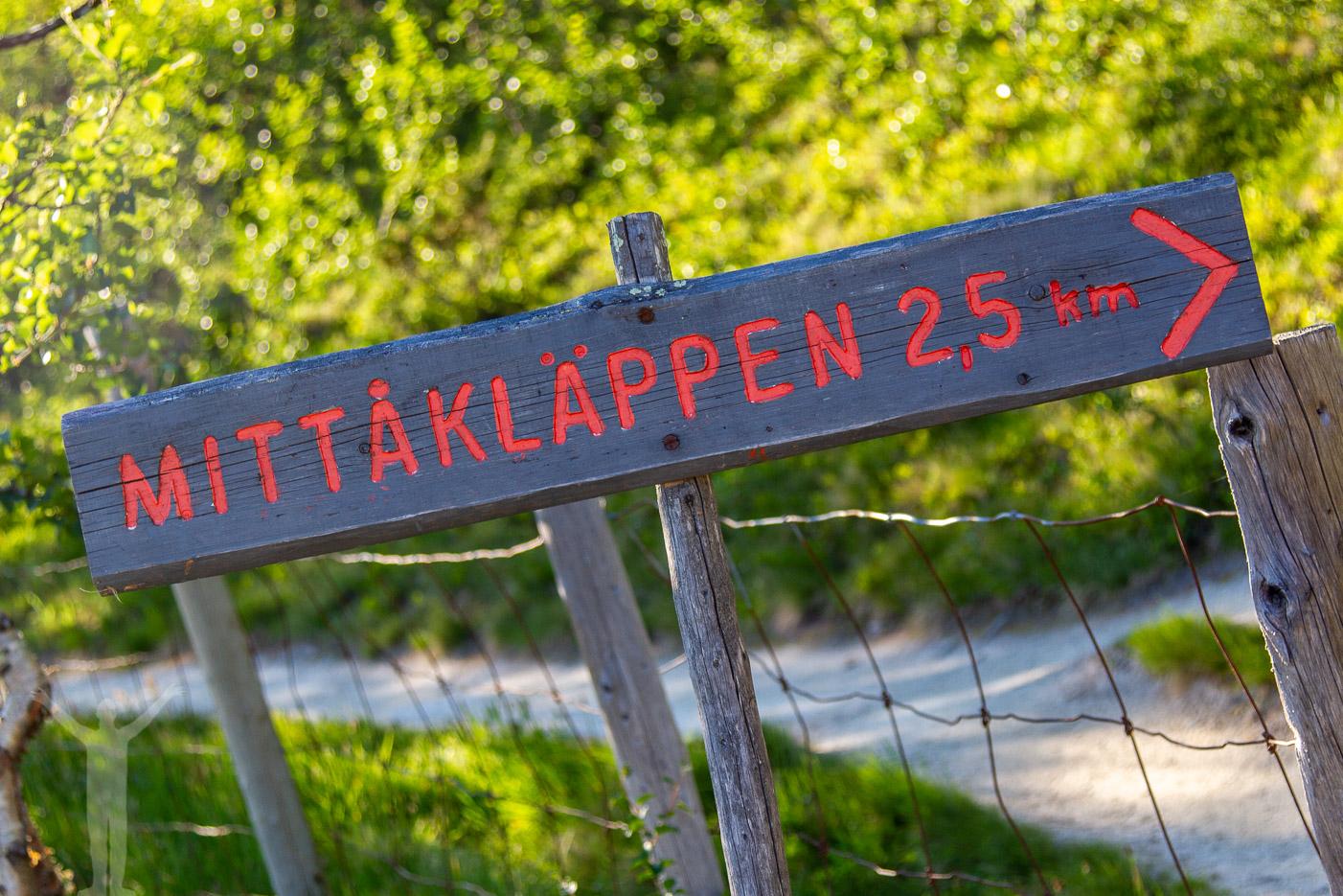 Skylt till Mittåkläppen - 2,5 km