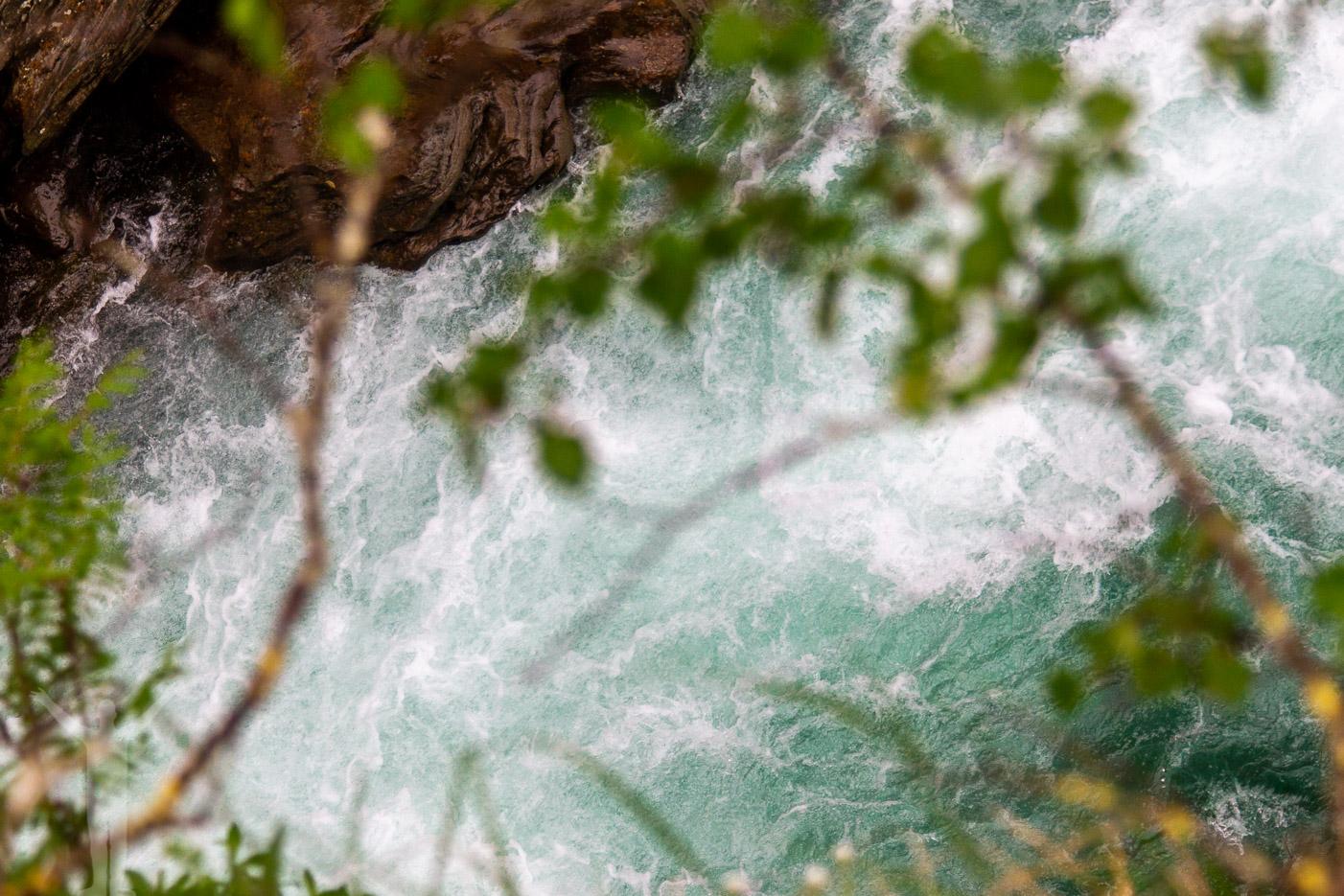 Grönblått vatten i Gaustafallet