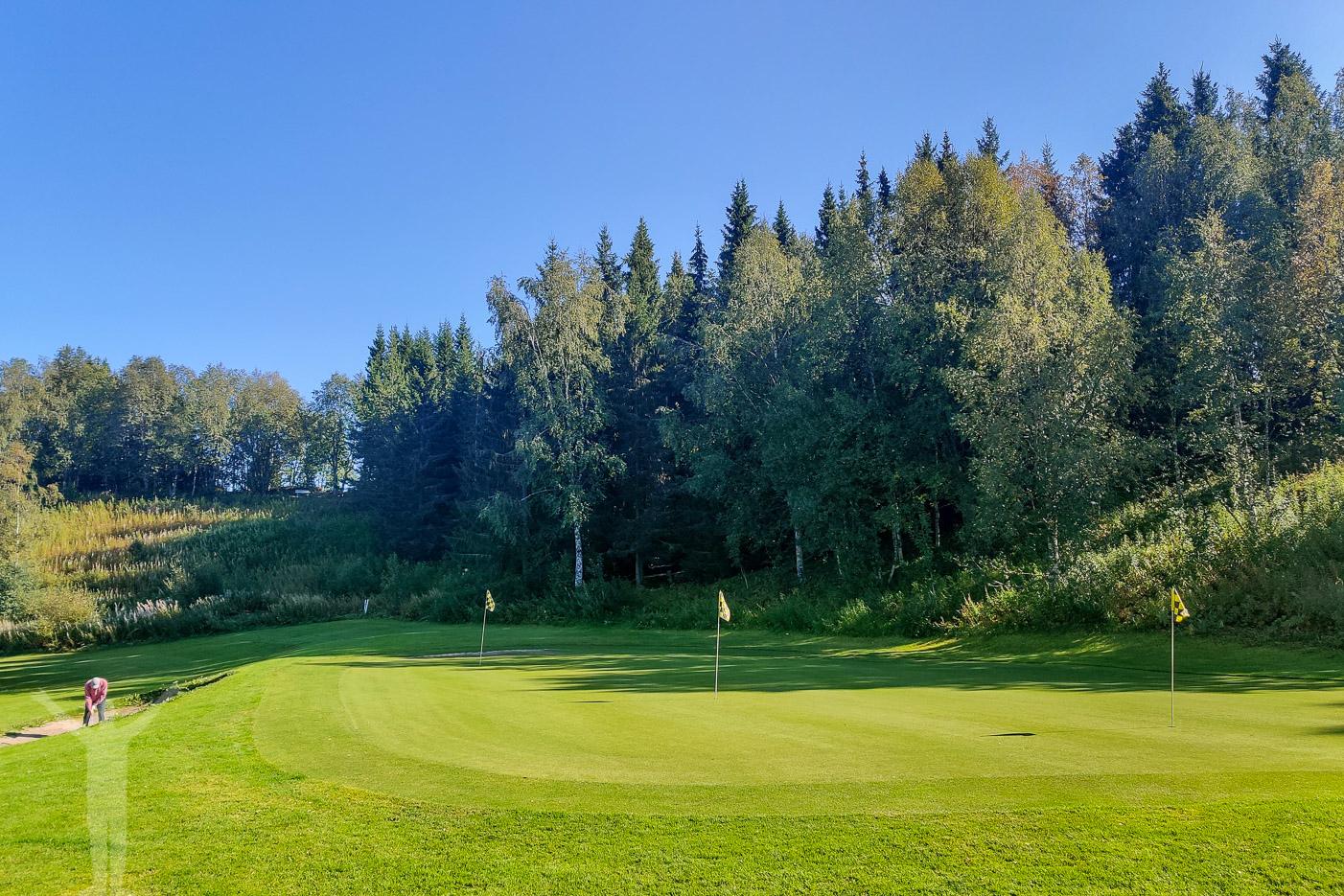 Spela Åre Golfklubb - börja på övningsgreenen