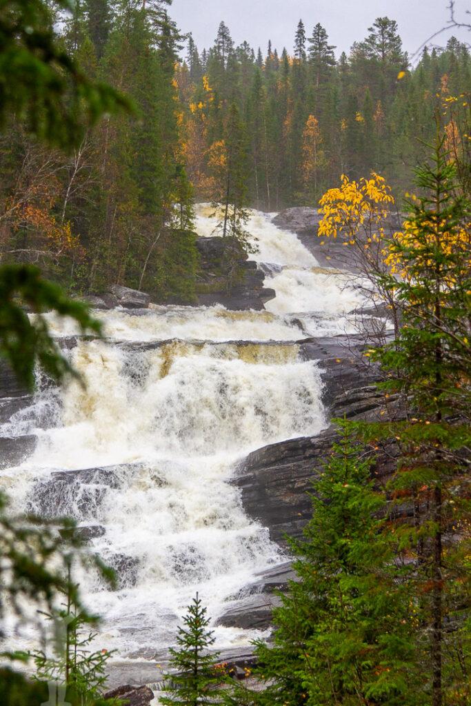 Vackert vattenfall i Jämtland
